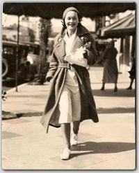 Maureen taking a stroll down Hollywood Boulevard.